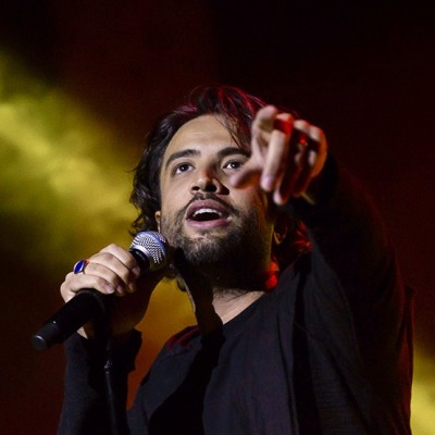 دانلود بنیامین بهادری نگاهی به کنسرت بنیامین بهادری در شهر اردبیل